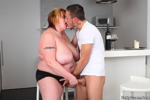 Sexy fat girls. She picks up the young m - XXX Dessert - Picture 9
