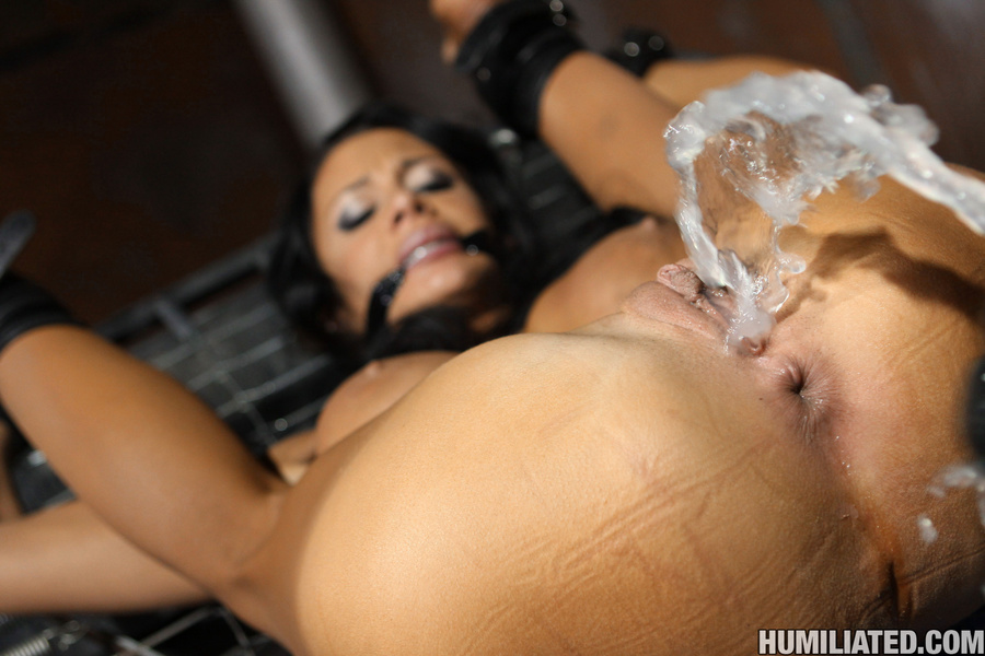 порно фото жестокого оргазма у девушек