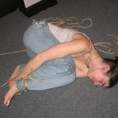 Amateurs experimenting with some light BDSM - Unique Bondage - Pic 12