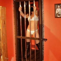 Enslaved amateurs enter into the playroom - Unique Bondage - Pic 1
