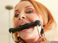Sexy red head mother loves being made into - Unique Bondage - Pic 4