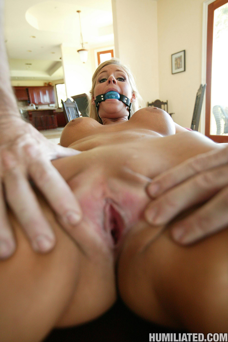Hot mom with blonde pussy gets wrecked by a - Unique Bondage - Pic 4