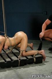 Hot bitch tormented - Unique Bondage - Pic 16