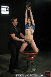 Slave likes kinky sex - Unique Bondage - Pic 6