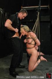 Slave serviced in all holes - Unique Bondage - Pic 4