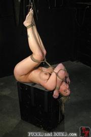 Slave serviced in all holes - Unique Bondage - Pic 6