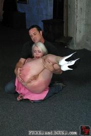 Beautiful submissive Lorelei Lee and natural - Unique Bondage - Pic 3
