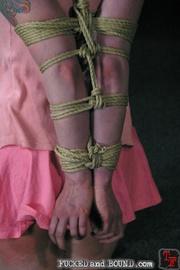 Beautiful submissive Lorelei Lee and natural - Unique Bondage - Pic 6