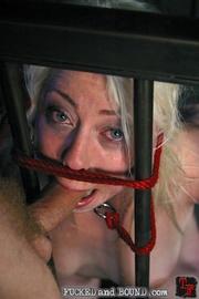 Beautiful submissive Lorelei Lee and natural - Unique Bondage - Pic 9
