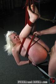 Beautiful submissive Lorelei Lee and natural - Unique Bondage - Pic 12