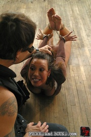 Street hooker Ava Devine has once again been - Unique Bondage - Pic 3