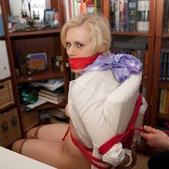 Donna the businesswoman - Part 2 - Unique Bondage - Pic 2