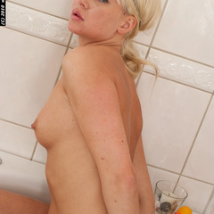 Katarina tied naked in the bathroom - Unique Bondage - Pic 2