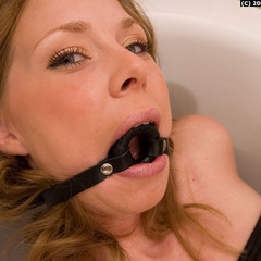 Paula tied up and gagged in the bathroom - Unique Bondage - Pic 9