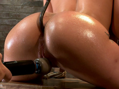 Amy Brooke has her amazing gaping ass fucked - Unique Bondage - Pic 10