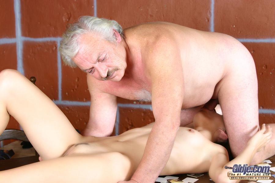 Смотреть порно фото старик