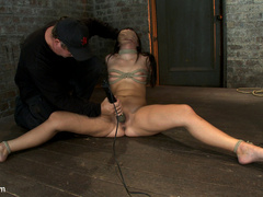 Cute girl next door with Daddy issues, get - Unique Bondage - Pic 9