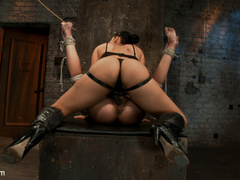 Kaylee's pussy gets obliterated w/ Isis - Unique Bondage - Pic 2