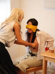 Alex Admas tricks Carmen and ties her up - Unique Bondage - Pic 10