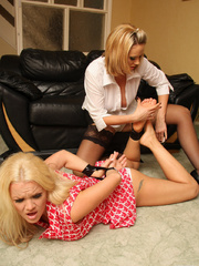 Blonde babe Frankie get bound by her girl - Unique Bondage - Pic 9