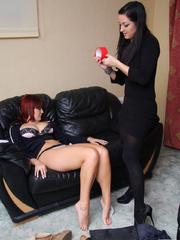 Elle P head babe with a huge busty boobs - Unique Bondage - Pic 2