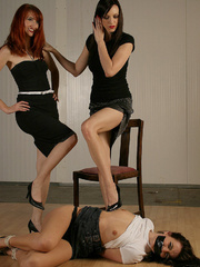 Molly Matthrews, Kendra gag and tie Elle - Unique Bondage - Pic 10