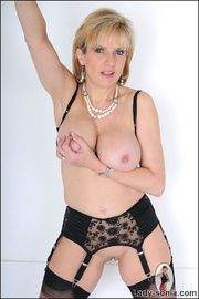 Amazing busty mature in lingerie - Unique Bondage - Pic 4
