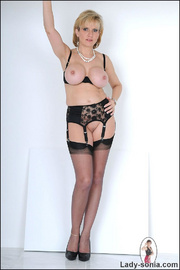 Amazing busty mature in lingerie - Unique Bondage - Pic 12