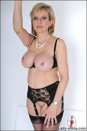 Amazing busty mature in lingerie - Unique Bondage - Pic 14