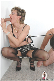 Blowjob british mature dominatrix - Unique Bondage - Pic 1