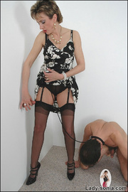 Blowjob british mature dominatrix - Unique Bondage - Pic 9