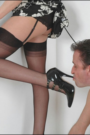 Blowjob british mature dominatrix - Unique Bondage - Pic 12