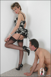 Blowjob british mature dominatrix - Unique Bondage - Pic 13