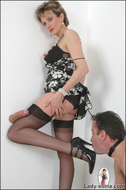 Blowjob british mature dominatrix - Unique Bondage - Pic 14