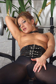 Pantyhose fetish babe louise parker - Unique Bondage - Pic 1