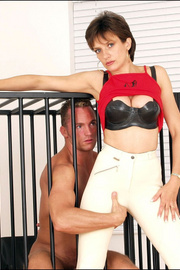 Jodhpur dominatrix milf lady sonia - Unique Bondage - Pic 2