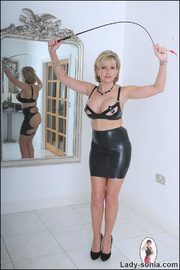Lady sonia mature latex mistress - Unique Bondage - Pic 1