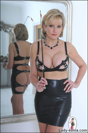 Lady sonia mature latex mistress - Unique Bondage - Pic 11