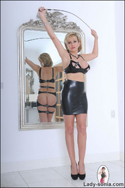 Lady sonia mature latex mistress - Unique Bondage - Pic 12