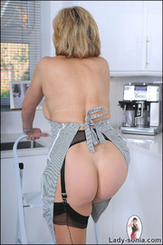 Incredible mature hotwife at home - Unique Bondage - Pic 5