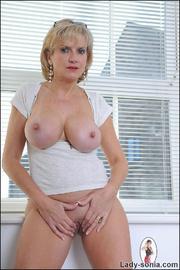 Fine ass british mature in leggings - Unique Bondage - Pic 13