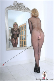 Fishnet catsuit mature dominatrix - Unique Bondage - Pic 5