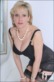 Classic sexy black lingerie mature - Unique Bondage - Pic 2