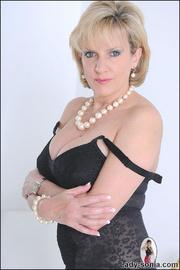 Classic sexy black lingerie mature - Unique Bondage - Pic 5
