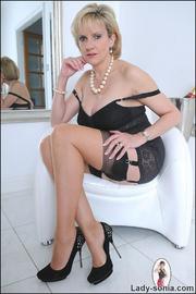 Classic sexy black lingerie mature - Unique Bondage - Pic 10