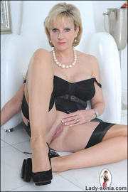 Classic sexy black lingerie mature - Unique Bondage - Pic 14