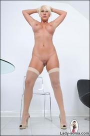 Fifty year old british nylons babe - Unique Bondage - Pic 9