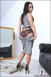 Nylons and heels slim brunette milf - Unique Bondage - Pic 4