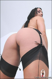 Nylons and heels slim brunette milf - Unique Bondage - Pic 14