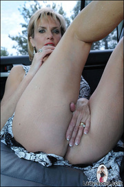 Milf lady sonia spreading in a car - Unique Bondage - Pic 5